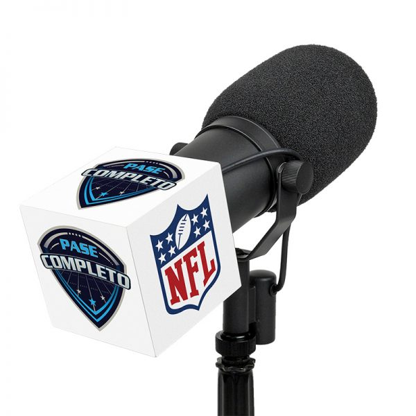NFL Pase Completo studio mic flag on an SM7 microphone